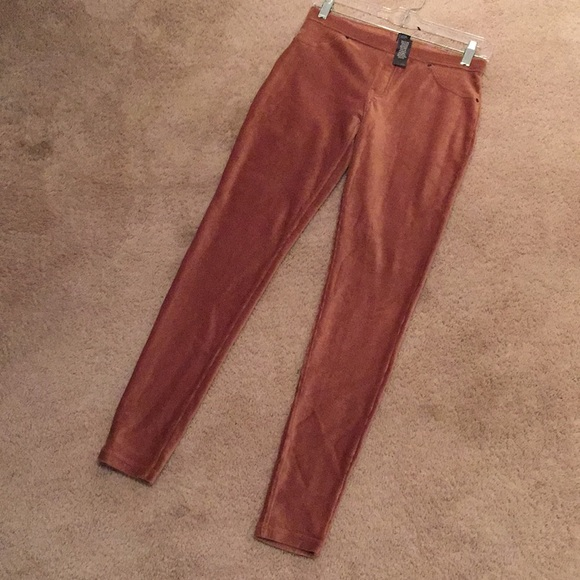 d59314170580a HUE Pants | Nwt Corduroy Tan Leggings | Poshmark